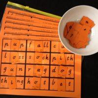 Level 1 Race Game - Middle Sounds, Victorian Modern Cursive Script